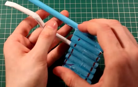 How-To-Make-A-Paper-Gun-4