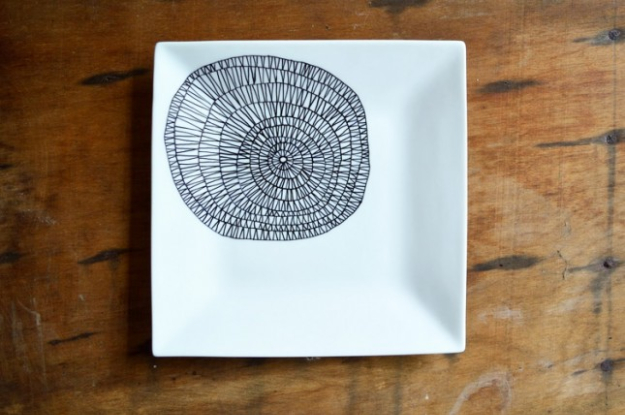 Cool DIY Sharpie Crafts Projects Ideas - Decorated Patterned Black and White Plate Makes Awesome Kitchen Decor