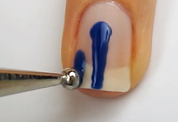 How-To-Do-A-Dripping-Paint-Nail-Art-4