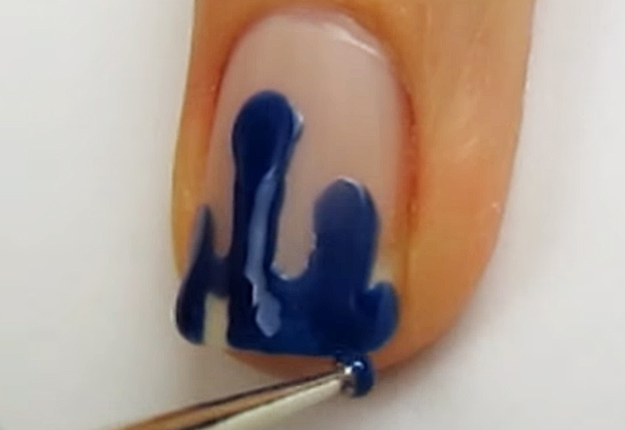 How-To-Do-A-Dripping-Paint-Nail-Art-6