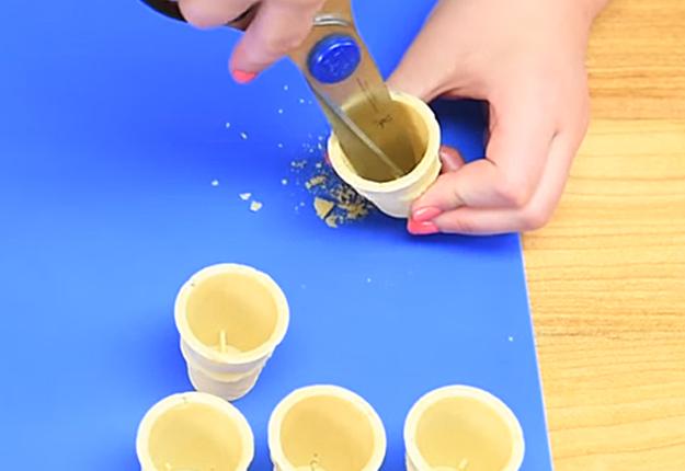 How-to-Make-a-Mini-Rainbow-Milkshake-Cake-Pops-1
