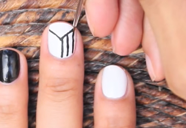 How To Make An Easy Optical Illusion Nail Art