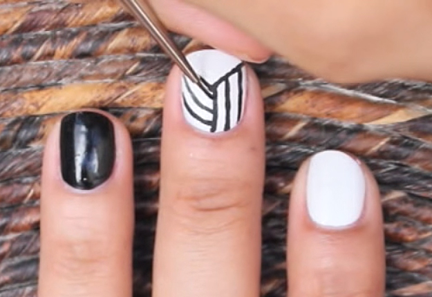 How-to-Make-an-Easy-Optical-Illusion-Nail-Art-5