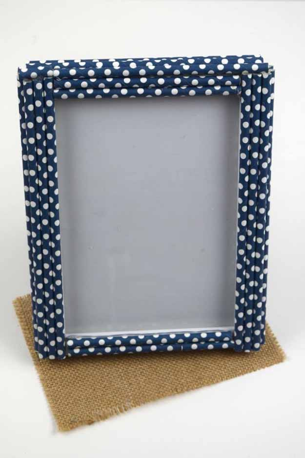 homemade decorative straw frame theclassychapter cool crafts you can make for less than 5 dollars cheap diy projects ideas for