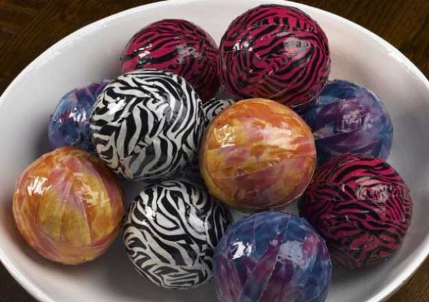 Duct Tape Crafts Ideas for DIY Home Decor, Fashion and Accessories   Beautiful Decorative Duct Tape Spheres   DIY Projects for Teens #teencrafts #kidscrafts #ducttape #cheapcrafts /