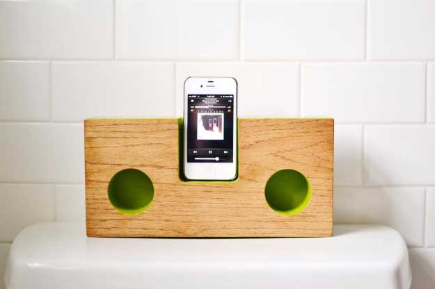 Cool DIY Ideas for Your iPhone iPad Tablets & Phones | Fun Projects for Chargers, Cases and Headphones | Dock Box inspired iphone amp | http://diyprojectsforteens.com/diy-projects-iphone-ipad-phone/