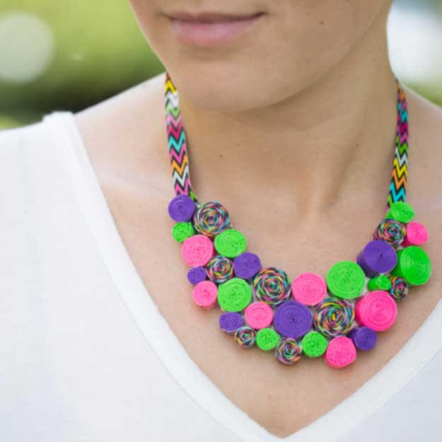 Duct Tape Crafts Ideas for DIY Home Decor, Fashion and Accessories   Duck Tape DIY Necklace   DIY Projects for Teens #teencrafts #kidscrafts #ducttape #cheapcrafts /