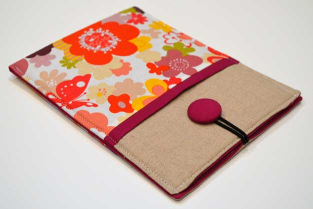 Cool DIY Ideas for Your iPhone iPad Tablets & Phones | Fun Projects for Chargers, Cases and Headphones | E-Reader Floral Sleeve | http://diyprojectsforteens.com/diy-projects-iphone-ipad-phone/