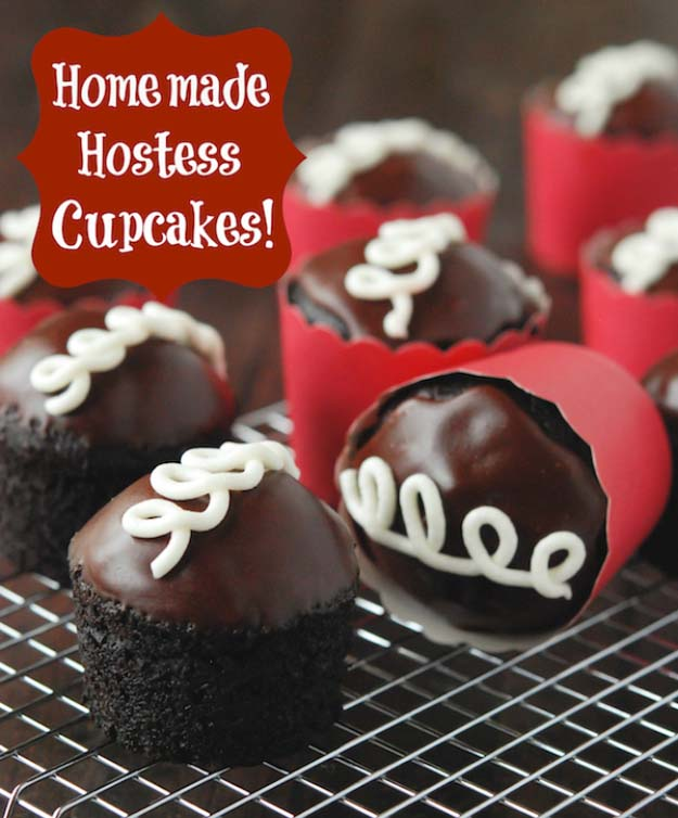 34 Fun Foods for Kids & Teens | Cool and Easy Recipes for Kids & Teenagers to Make At Home | Homemade Hostess Cupcakes | http://diyprojectsforteens.com/fun-foods-for-teens-kids