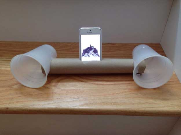 Cool DIY Ideas for Your iPhone iPad Tablets & Phones | Fun Projects for Chargers, Cases and Headphones | Make Your Own iPhone Speakers with a Paper Towel Roll & Two Keg Cups | http://diyprojectsforteens.com/diy-projects-iphone-ipad-phone/