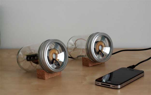 Cool DIY Ideas for Your iPhone iPad Tablets & Phones | Fun Projects for Chargers, Cases and Headphones | Mason Jar iPhone / iPad Speakers | http://diyprojectsforteens.com/diy-projects-iphone-ipad-phone/