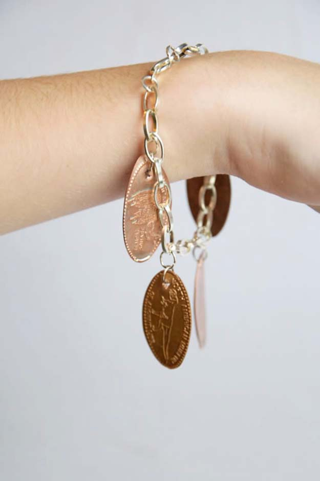 Fun DIY Jewelry Ideas | Cool Homemade Jewelry Tutorials for Adults and Teens | Awesome Bracelets, Necklaces, Earrings and Accessories You Can Make At Home | Pressed Penny Bracelet