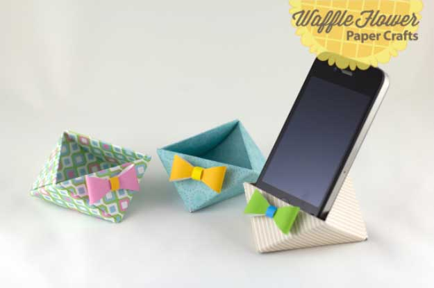 Cool DIY Ideas for Your iPhone iPad Tablets & Phones | Fun Projects for Chargers, Cases and Headphones | iPhone Paper Triangle Stand #diygadgets #stem #techtoys #iphone