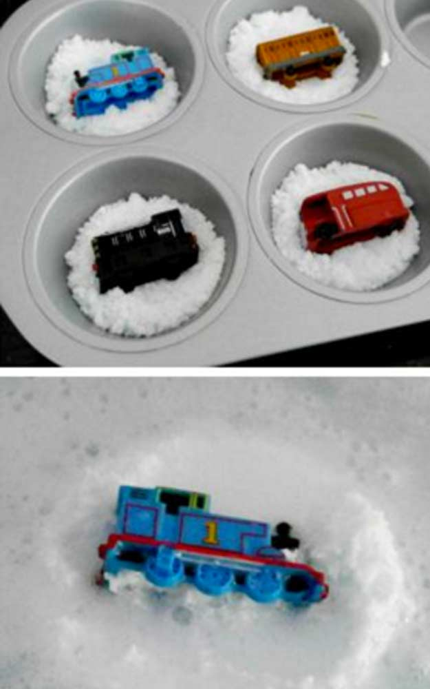 Hidden Train Bath Bomb Tutorial - DIY Bath Bomb Recipes | Fun DIY Projects for Teens