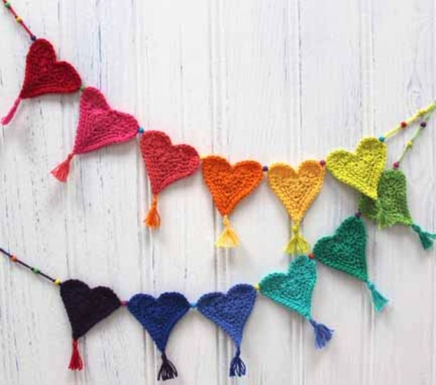 DIY Teen Room Decor Ideas for Girls | Crochet Heart Bunting for Little Hearts Matter | Cool Bedroom Decor, Wall Art & Signs, Crafts, Bedding, Fun Do It Yourself Projects and Room Ideas for Small Spaces #diydecor #teendecor #roomdecor #teens #girlsroom