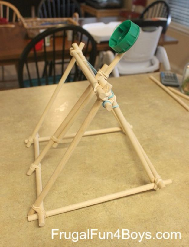 Cool diy projects for teen boys cool diy crafts for teens splash bomb catapult boys and girls love these cool solutioingenieria Images