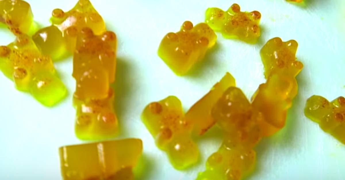 How To Make Gummy Bears   DIY Gummy Bear Recipe