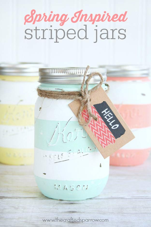 Cute DIY Mason Jar Ideas - Distressed Striped Mason Jar Vase - Fun Crafts, Creative Room Decor, Homemade Gifts, Creative Home Decor Projects and DIY Mason Jar Lights - Cool Crafts for Teens and Tween Girls http://diyprojectsforteens.com/cute-diy-mason-jar-crafts