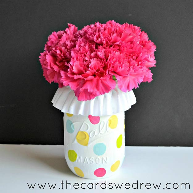 Cute DIY Mason Jar Ideas - Polka Dot Mason Jar Vase - Fun Crafts, Creative Room Decor, Homemade Gifts, Creative Home Decor Projects and DIY Mason Jar Lights - Cool Crafts for Teens and Tween Girls http://diyprojectsforteens.com/cute-diy-mason-jar-crafts