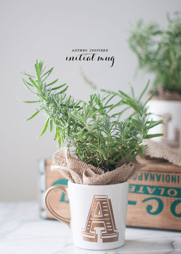 Anthropologie DIY Hacks, Clothes, Sewing Projects and Jewelry Fashion - Pillows, Bedding and Curtains - Tables and furniture - Mugs and Kitchen Decorations - DIY Room Decor and Cool Ideas for the Home | Anthro Inspired Gold Initial Mug | http://diyprojectsforteens.com/diy-anthropologie-hacks