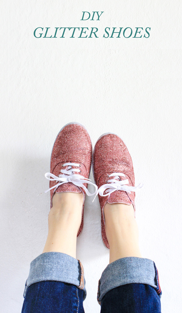 Cool DIY Ideas for Fun and Easy Crafts - DIY Glitter Shoes are a Fun and Easy Craft Idea for Teen Girls - DIY Moon Pendant for Easy DIY Lighting in Teens Rooms - Dip Dyed String Wall Hanging - DIY Mini Easel Makes Fun DIY Room Decor Idea - Awesome Pinterest DIYs that Are Not Impossible To Make - Creative Do It Yourself Craft Projects for Adults, Teens and Tweens #diyteens #teencrafts #funcrafts #fundiy #diyideas