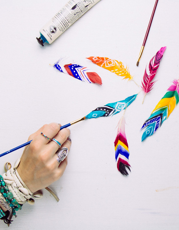 47 fun pinterest crafts that arent impossible cool diy ideas for fun and easy crafts diy painted feathers awesome pinterest diys solutioingenieria Choice Image