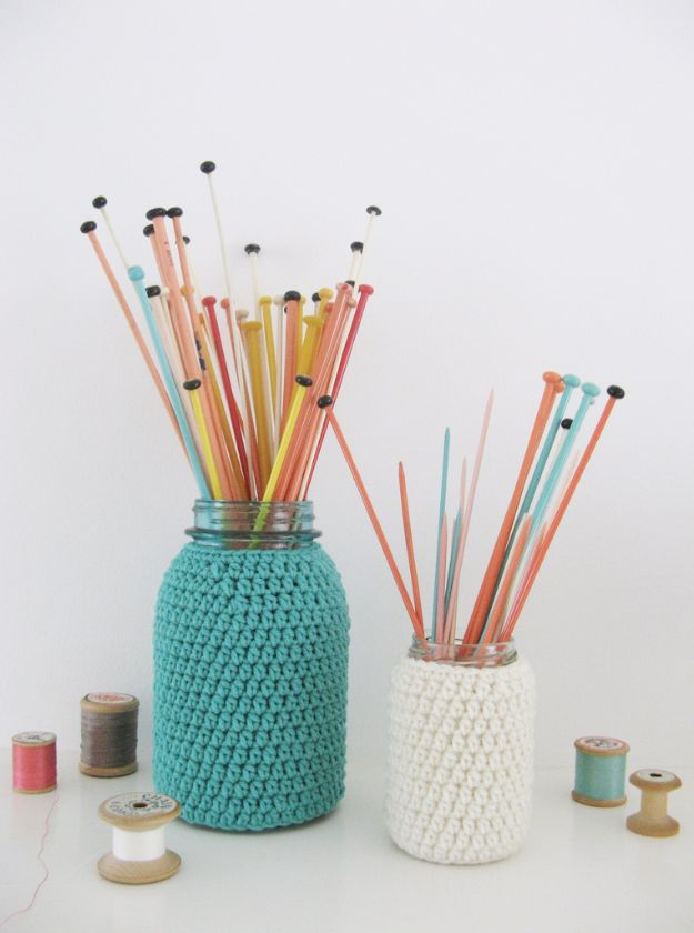 Cute DIY Mason Jar Ideas - Knitting Jars - Fun Crafts, Creative Room Decor, Homemade Gifts, Creative Home Decor Projects and DIY Mason Jar Lights - Cool Crafts for Teens and Tween Girls #diyideas #masonjarcrafts #teencrafts