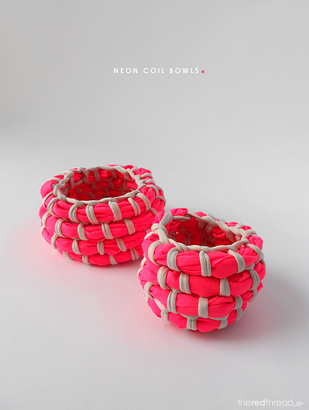 Cool DIY Ideas for Fun and Easy Crafts - Easy Craft Projects - Neon Coil Bowl Makes Fun DIY Room Decor - Awesome Pinterest DIYs that Are Not Impossible To Make - Creative Do It Yourself Craft Projects for Adults, Teens and Tweens. http://diyprojectsforteens.com/fun-crafts-pinterest