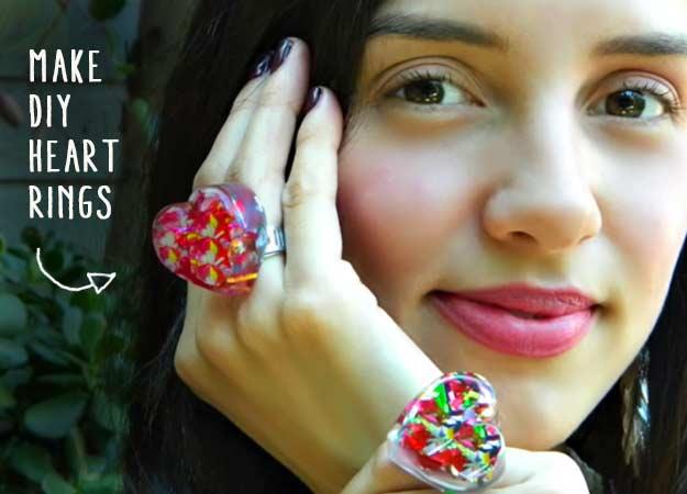 diy-resin-heart-rings