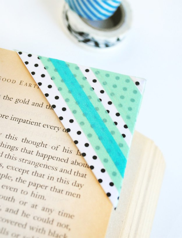 Washi Tape Crafts - Washi Tape Bookmarks - Wall Art, Frames, Cards, Pencils, Room Decor and DIY Gifts, Back To School Supplies - Creative, Fun Craft Ideas for Teens, Tweens and Teenagers - Step by Step Tutorials and Instructions http://diyprojectsforteens.com/washi-tape-crafts