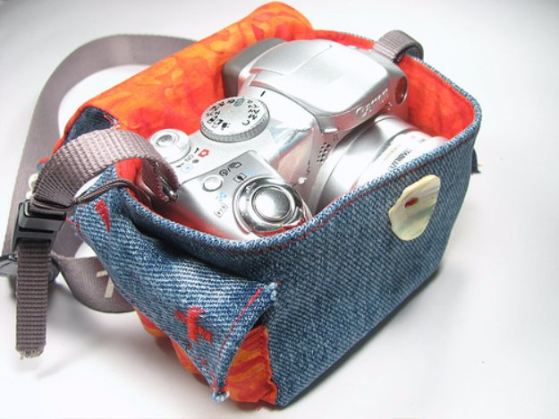 DIY Crafts with Old Denim Jeans - DIY Camera Cozy - Cool Projects and Fashion You Can Make With Old Jeans - Fun Crafts for Teens and Adults, Inexpensive Ones!