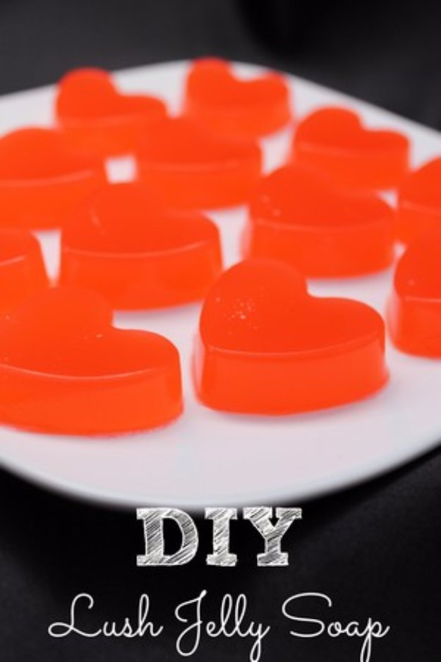DIY Lush Inspired Recipes - DIY Lush Jelly Soap - How to Make Lush Products like Bath Bombs, Face Masks, Lip Scrub, Bubble Bars, Dry Shampoo and Hair Conditioner, Shower Jelly, Lotion, Soap, Toner and Moisturizer. Copycat and Dupes of Ocean Salt, Buffy, Dark Angels, Rub Rub Rub, Big, Dream Cream and More. #teencrafts #lush #beautyideas #diybeauty #bathbombs
