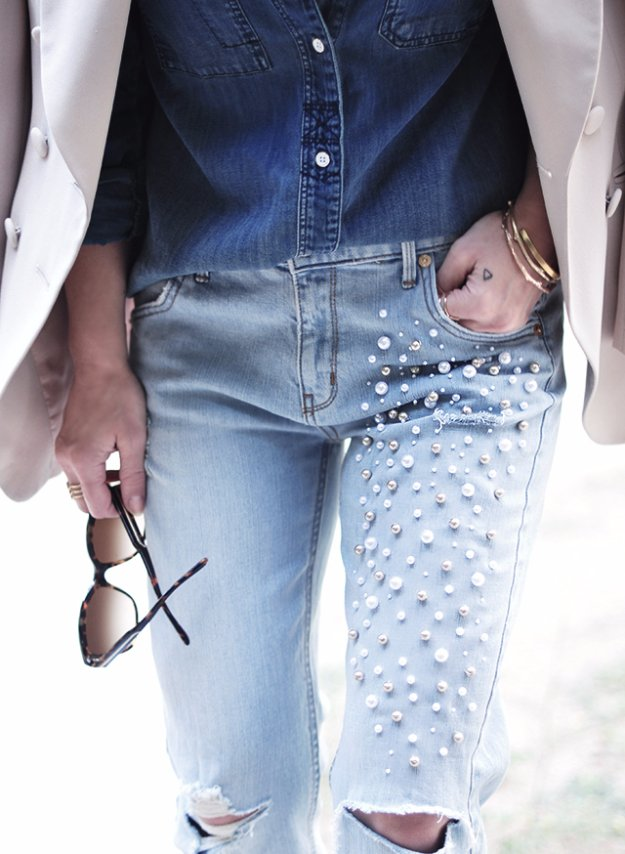 Jeans Makeovers - DIY Pearl Embellished Jeans - Easy Crafts and Tutorials to Refashion Your Jeans and Create Ripped, Distressed, Bleach, Lace Edge, Cut Off, Skinny, Shorts, and Painted Jeans Ideas http://diyprojectsforteens.com/diy-jeans-makeovers