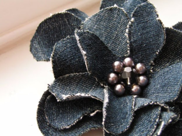 DIY Crafts with Old Denim Jeans -Old Jeans Flower Corsage - Cool Projects and Fashion You Can Make With Old Jeans - Fun Crafts for Teens and Adults, Inexpensive Ones!