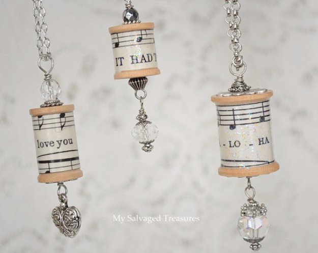 Crafts to Make and Sell - Spool Necklaces - Cool and Cheap Craft Projects and DIY Ideas for Teens and Adults to Make and Sell - Fun, Cool and Creative Ways for Teenagers to Make Money Selling Stuff to Make http://diyprojectsforteens.com/crafts-to-make-and-sell-for-teens