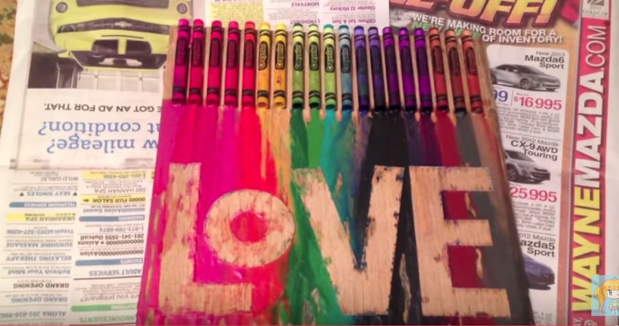 DIY Fun & Easy Crayon Art for Your Walls! - DIY Projects for Teens