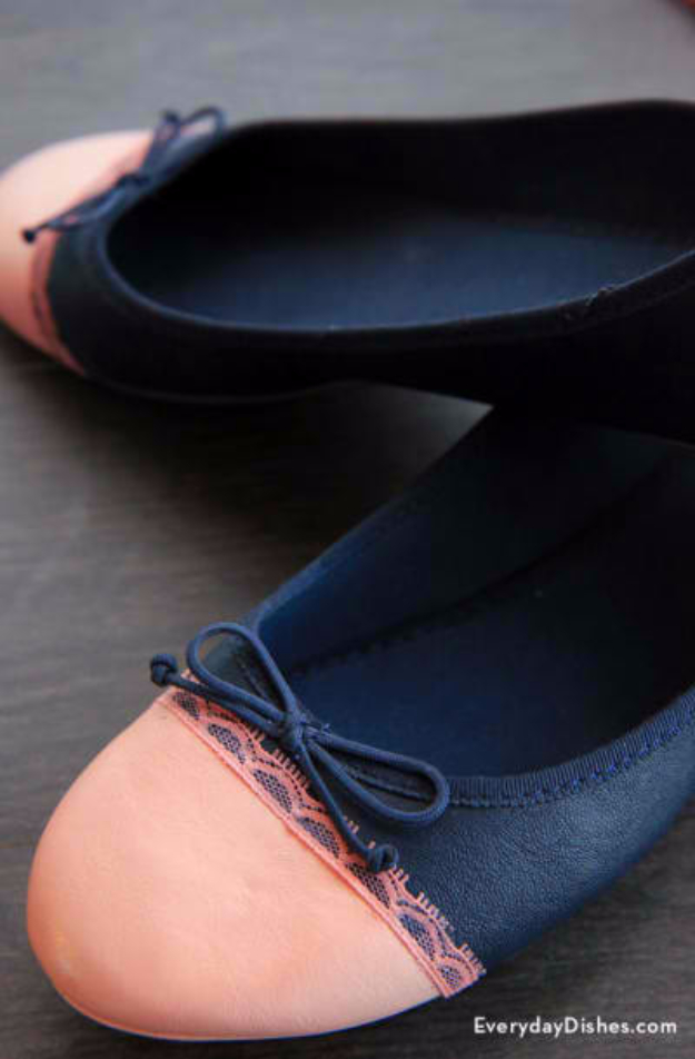 DIY Shoe Makeovers - Ballet Flats Makeover - Cool Ways to Update, Decorate, Paint, Bedazle and Add Sparkle to Your Flats, Pumps, Tennis Shoes, Boots and Boring Shoes - Cool Crafts and DIY Shoe Ideas for Teens and Adults http://diyprojectsforteens.com/diy-shoe-makeovers