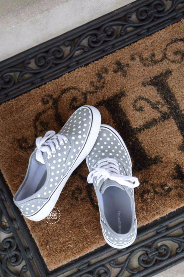 DIY Shoe Makeovers - DIY Polka Dot Shoes - Cool Ways to Update, Decorate, Paint, Bedazle and Add Sparkle to Your Flats, Pumps, Tennis Shoes, Boots and Boring Shoes - Cool Crafts and DIY Shoe Ideas for Teens and Adults http://diyprojectsforteens.com/diy-shoe-makeovers