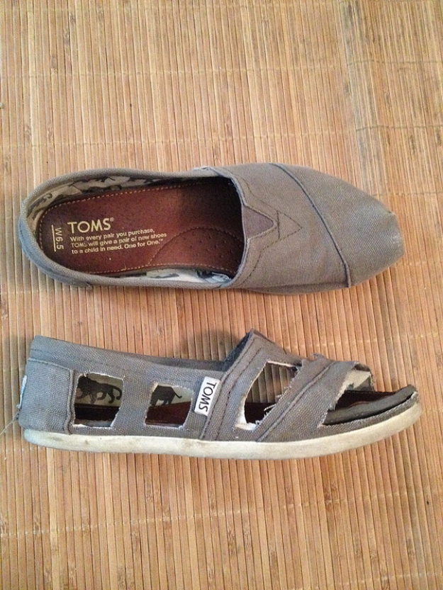 DIY Shoe Makeovers - DIY Toms Sandals - Cool Ways to Update, Decorate, Paint, Bedazle and Add Sparkle to Your Flats, Pumps, Tennis Shoes, Boots and Boring Shoes - Cool Crafts and DIY Shoe Ideas for Teens and Adults http://diyprojectsforteens.com/diy-shoe-makeovers