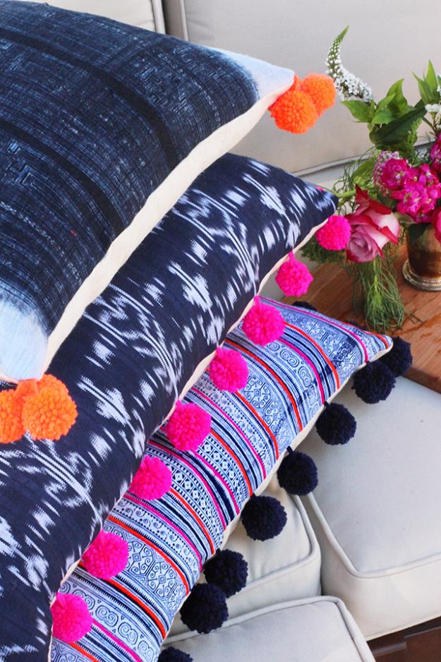 DIY Crafts with Pom Poms - DIY Pom Pom Pillows - Fun Yarn Pom Pom Crafts Ideas. Garlands, Rug and Hat Tutorials, Easy Pom Pom Projects for Your Room Decor and Gifts http://diyprojectsforteens.com/diy-crafts-pom-poms