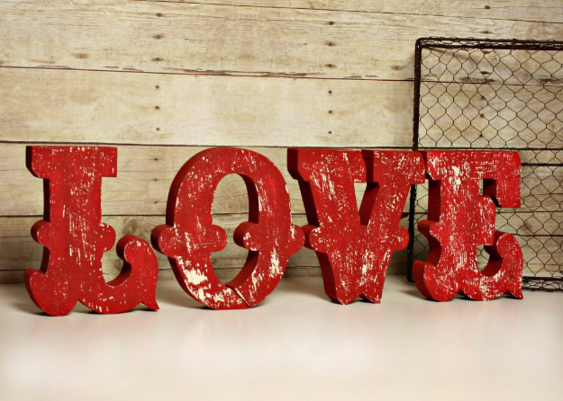 DIY Wall Letters and Initals Wall Art - Distressed Wooden Letters - Cool Architectural Letter Projects for Living Room Decor, Bedroom Ideas. Girl or Boy Nursery. Paint, Glitter, String Art, Easy Cardboard and Rustic Wooden Ideas
