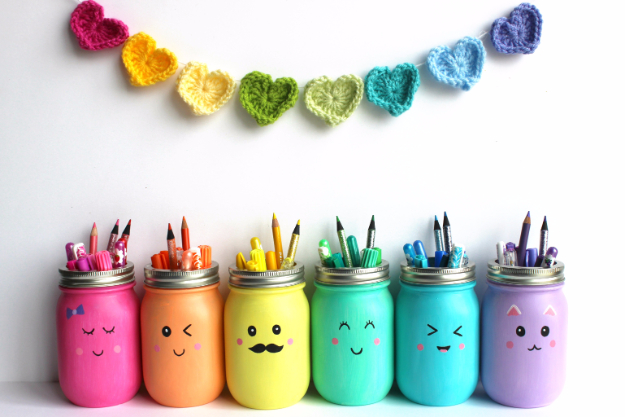 DIY School Supplies You Need For Back To School - Kawaii Inspired Mason Jar Marker And Pencil Holders - Cuter, Cool and Easy Projects for Teens, Tweens and Kids to Make for Middle School and High School. Fun Ideas for Backpacks, Pencils, Notebooks, Organizers, Binders http://diyprojectsforteens.com/diy-school-supplies