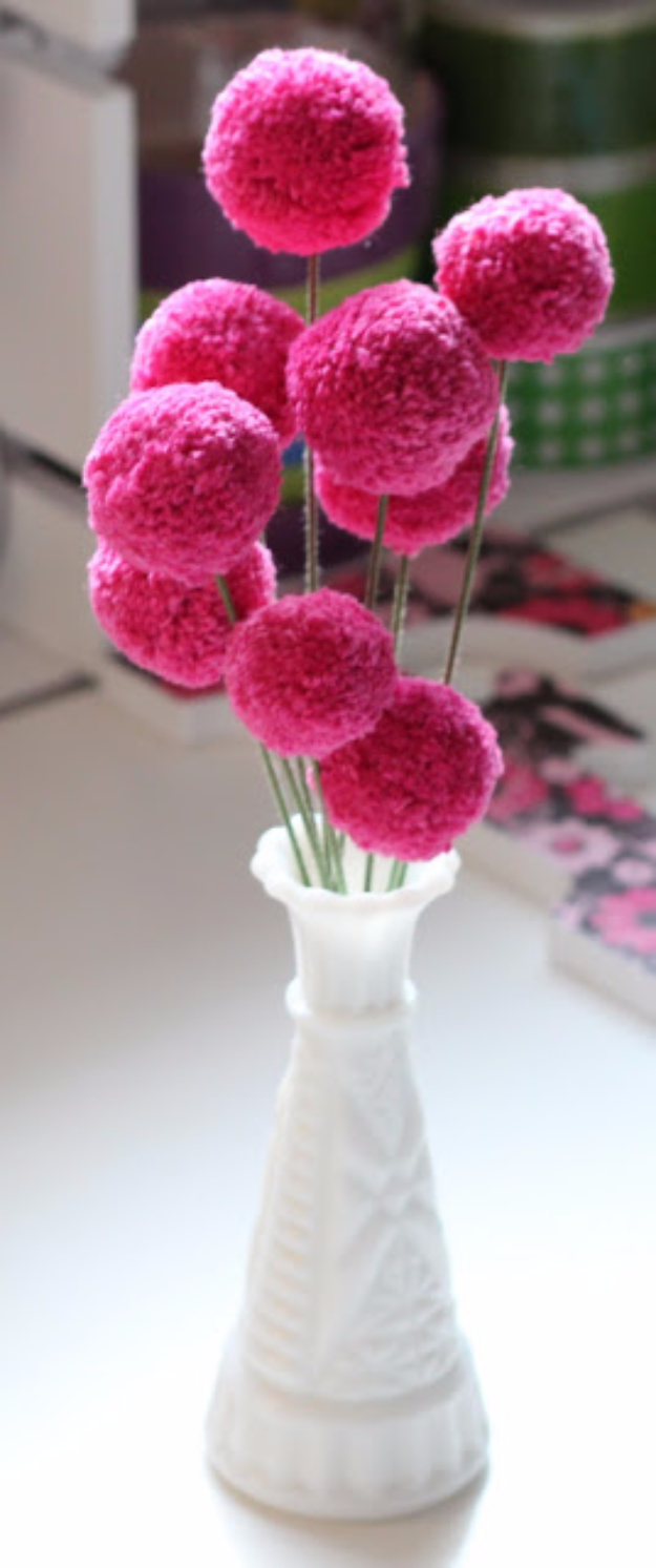 DIY Crafts with Pom Poms - Pom Pom Flower DIY - Fun Yarn Pom Pom Crafts Ideas. Garlands, Rug and Hat Tutorials, Easy Pom Pom Projects for Your Room Decor and Gifts http://diyprojectsforteens.com/diy-crafts-pom-poms