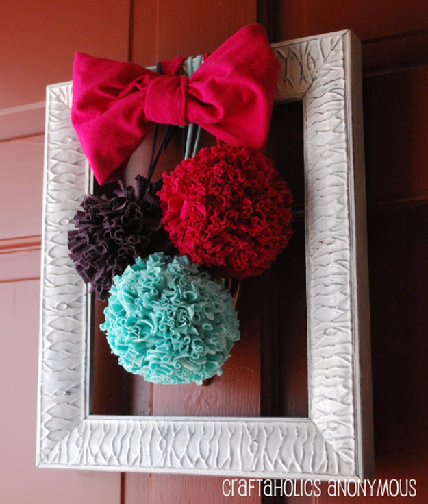 DIY Crafts with Pom Poms - T Shirt Pom Poms Tutorial - Fun Yarn Pom Pom Crafts Ideas. Garlands, Rug and Hat Tutorials, Easy Pom Pom Projects for Your Room Decor and Gifts http://diyprojectsforteens.com/diy-crafts-pom-poms