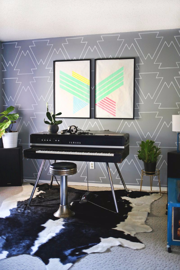 DIY Ideas for Painting Walls - Statement Wall With Paint Pens - Cool Ways To Paint Walls - Techniques, Tips, Stencils, Tutorials, Fun Colors and Creative Designs for Living Room, Bedroom, Kids Room, Bathroom and Kitchen #homeimprovement #diydecor #roomideas #teenrooms #walldecor #paintingideas