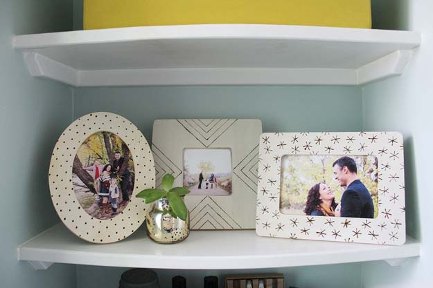 Best DIY Picture Frames and Photo Frame Ideas - Wood Burned Photo Frames - How To Make Cool Handmade Projects from Wood, Canvas, Instagram Photos. Creative Birthday Gifts, Fun Crafts for Friends and Wall Art Tutorials http://diyprojectsforteens.com/diy-picture-frames