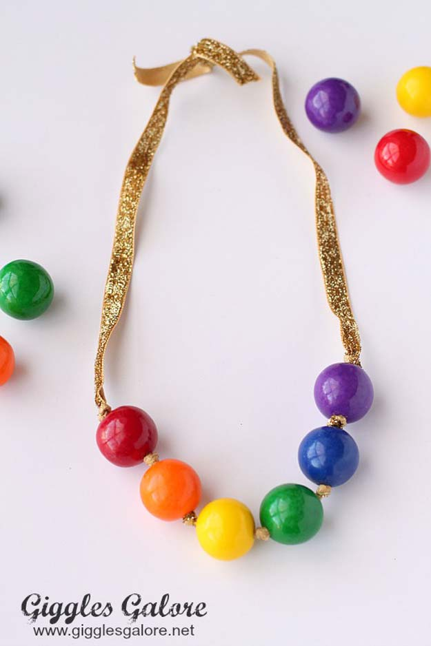 Best DIY Rainbow Crafts Ideas - Rainbow Gumball Necklace - Fun DIY Projects With Rainbows Make Cool Room and Wall Decor, Party and Gift Ideas, Clothes, Jewelry and Hair Accessories - Awesome Ideas and Step by Step Tutorials for Teens and Adults, Girls and Tweens http://diyprojectsforteens.com/diy-projects-with-rainbows