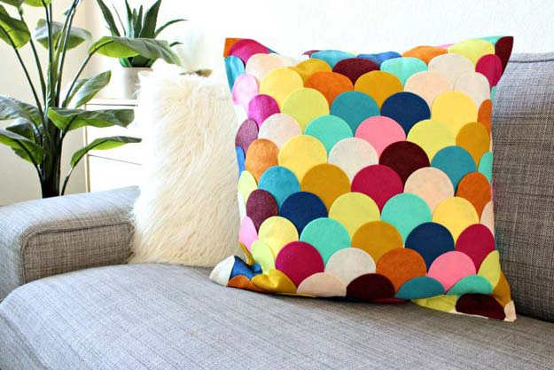 Best DIY Rainbow Crafts Ideas - No-Sew DIY Felt Scalloped Pillow - Fun DIY Projects With Rainbows Make Cool Room and Wall Decor, Party and Gift Ideas, Clothes, Jewelry and Hair Accessories - Awesome Ideas and Step by Step Tutorials for Teens and Adults, Girls and Tweens http://diyprojectsforteens.com/diy-projects-with-rainbows