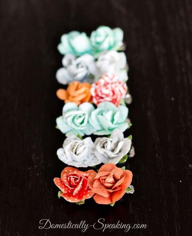 38 Creative DIY Hair Accessories - 1 Minute Flower Hair Barrette- Create Pretty Hairstyles for Women, Teens and Girls with These Easy Tutorials - Vintage and Boho Looks for Prom and Wedding - Step by Step Instructions for Cool Headbands, Barettes, Pony Tail Holders, Hair Clips, Bobby Pins and Bows http://diyprojectsforteens.com/diy-hair-accessories