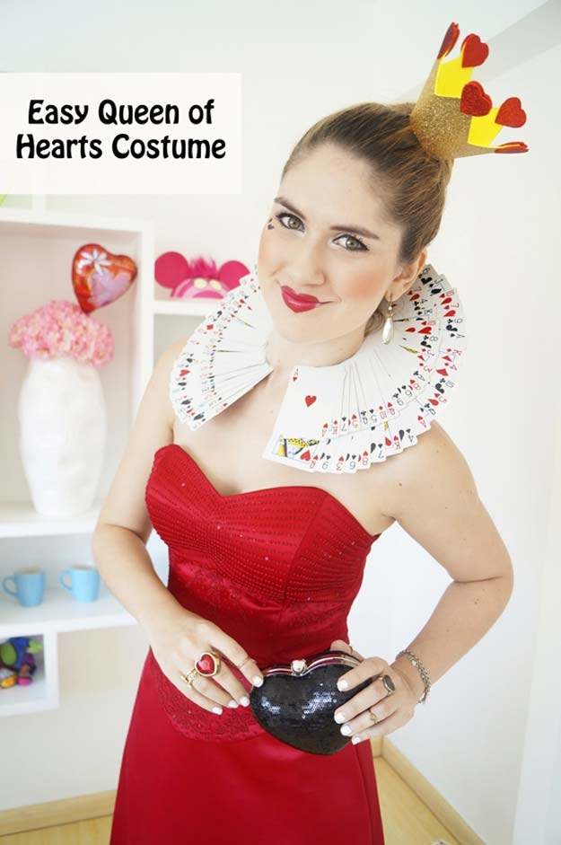 Best Last Minute DIY Halloween Costume Ideas - Queen Of Hearts - Do It Yourself Costumes for Teens, Teenagers, Tweens, Teenage Boys and Girls, Friends. Fun, Clever, Cheap and Creative Costumes that Are Easy To Make. Step by Step Tutorials and Instructions #halloween #costumeideas #halloweencostumes
